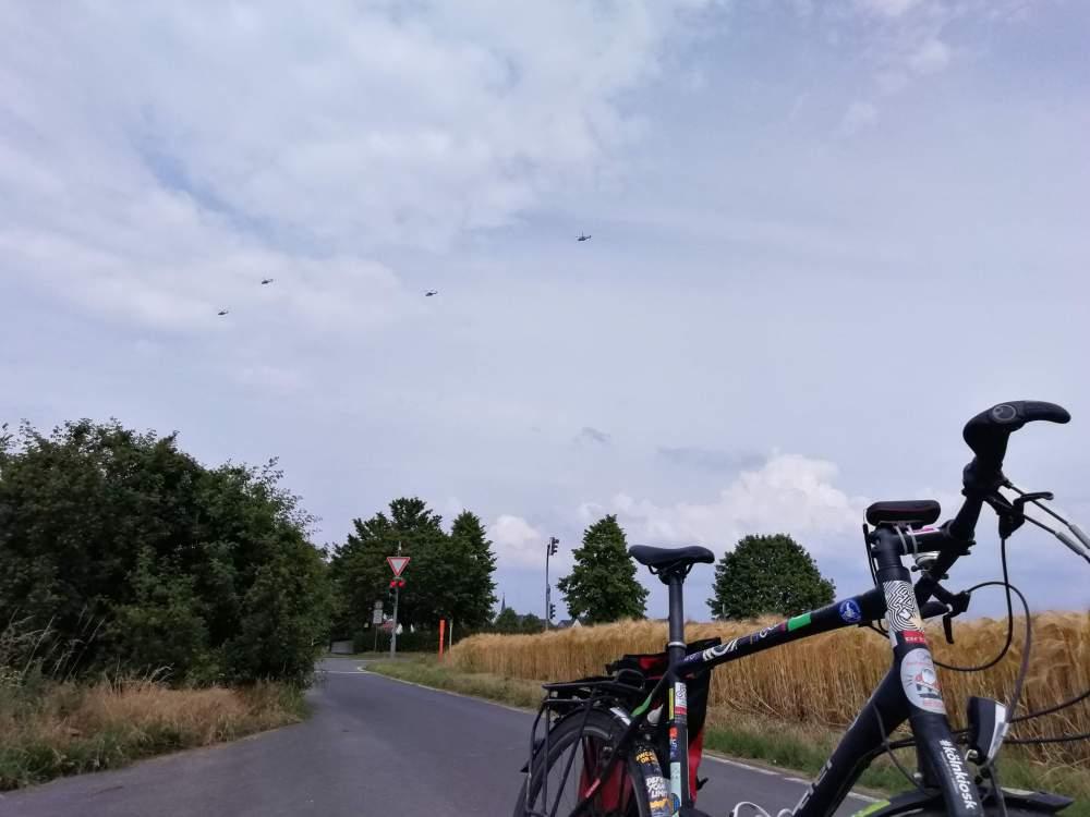#mdRzA #köln #cgn #hubschrauber #fliegen #landschaft