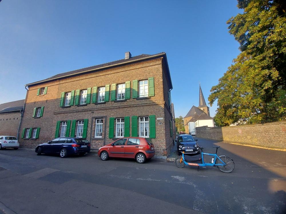 Köln Widdersdorf Brennerei Kirche Kirchhof Sester