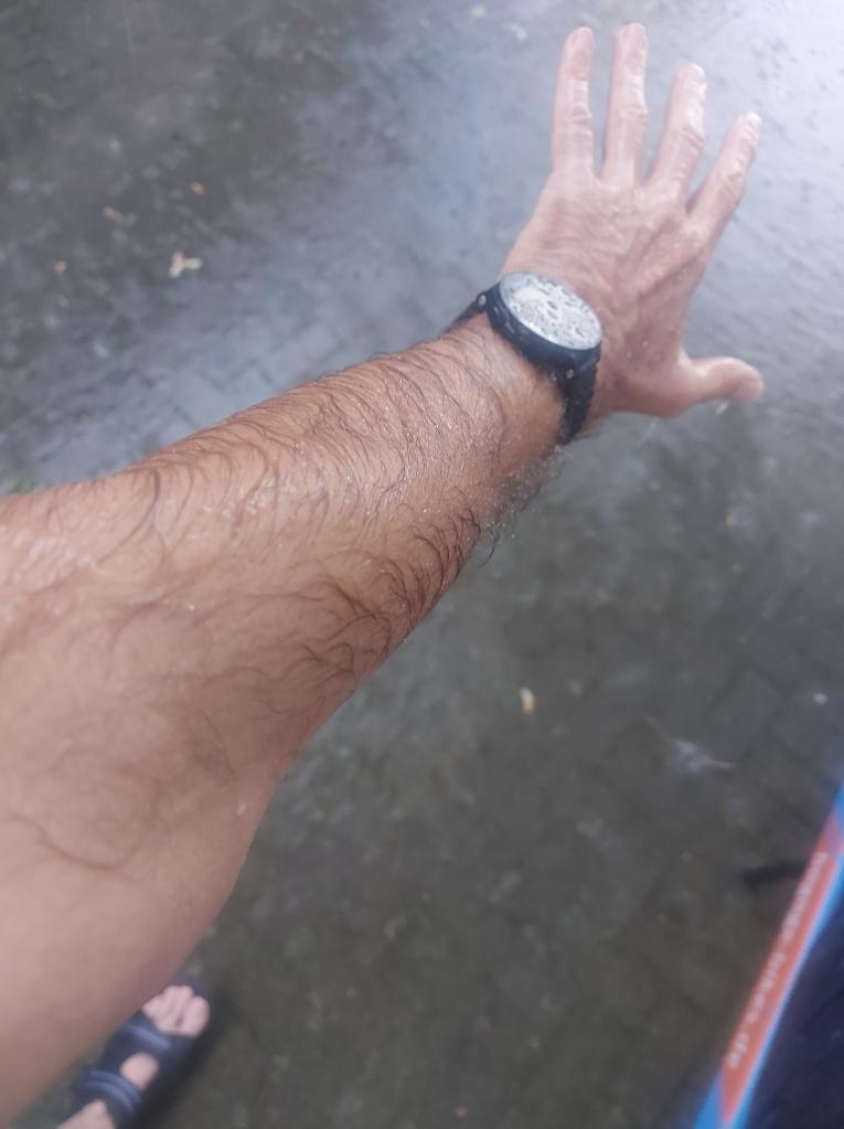 #Bullitt #Bluemon #Arbeit #Regen #Starkregen #Unwetter #Klimawandel #Prasseln #nasseHaut