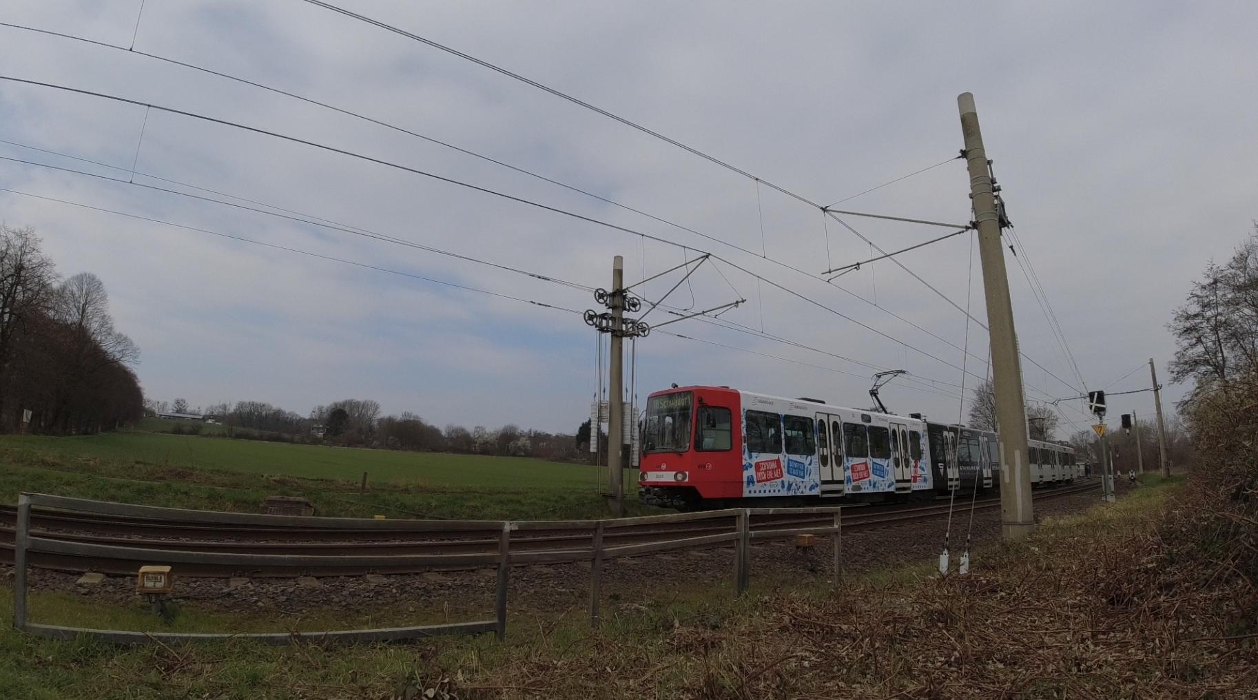 #Bahn, #Bahnübergang, #Schranke, #RoteAmpel, #SBahn, #Stadtbahn, #Lokomotive, #Diesel, #Rommerskirchen, #Brühl, #Hürth,