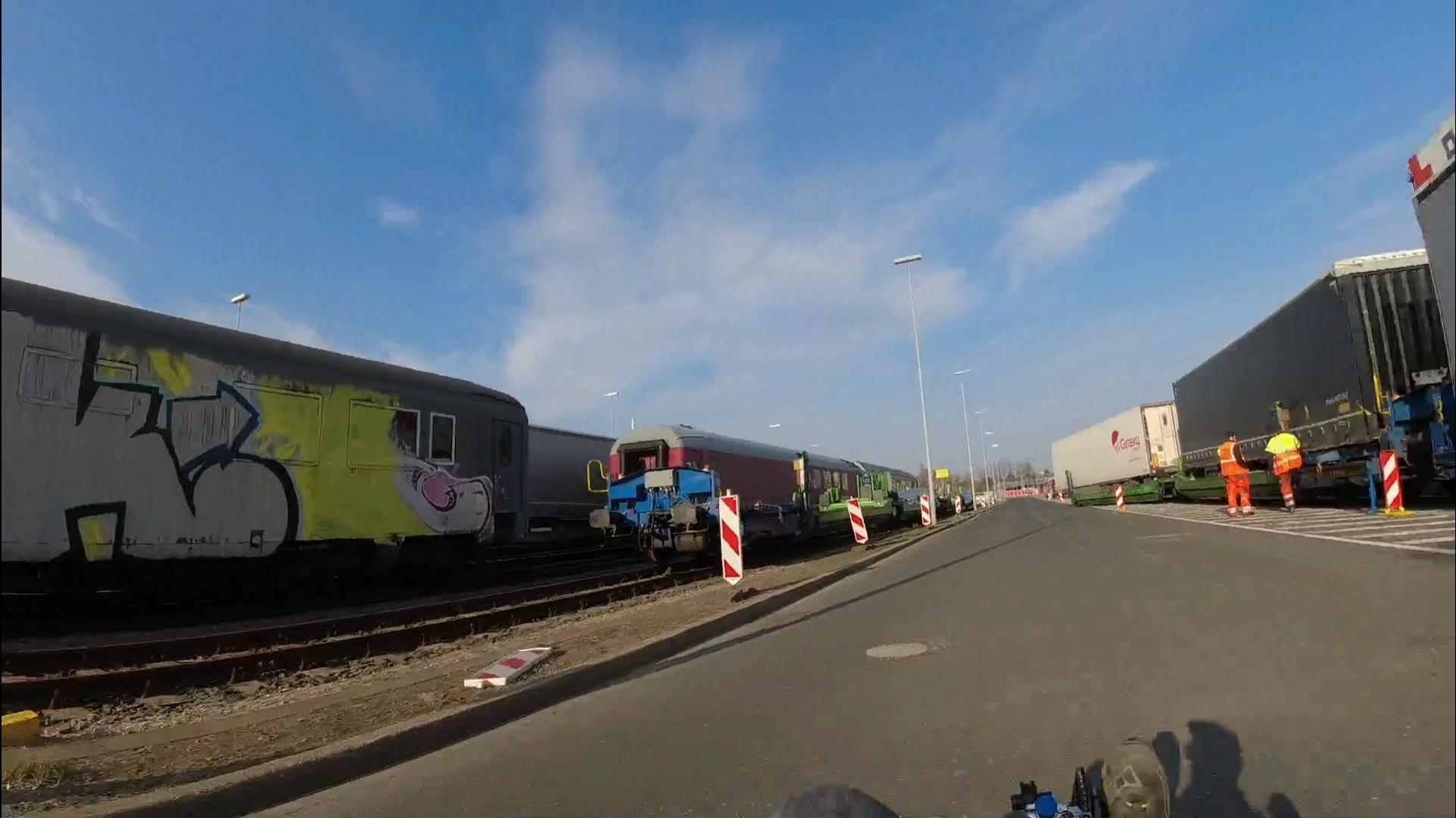 #Düsseldorf, #Zons, #Fähre, #Reisholz, #Bahn, #Kunst, #Graffiti, #Waggon,