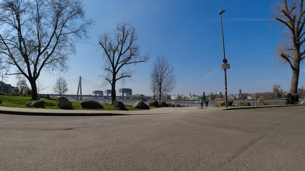 #Köln, #Impressionen, #cgn, #DeutzerWerft, #Rhein, #Deutz, #Bahnhof, #Grafity, #CoffeeBike, #Kranhäuser, #Severinsbrücke,