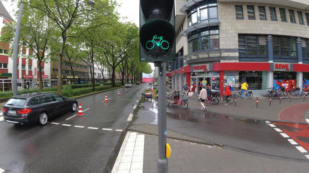 #weltfahrradtag, #worldbicycleday, #popupbikelane, #köln, #luxemburgerstraße,